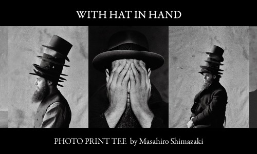 WITH HAT IN HAND<br/>PHOTO PRINT TEE by Masahiro Shimazaki